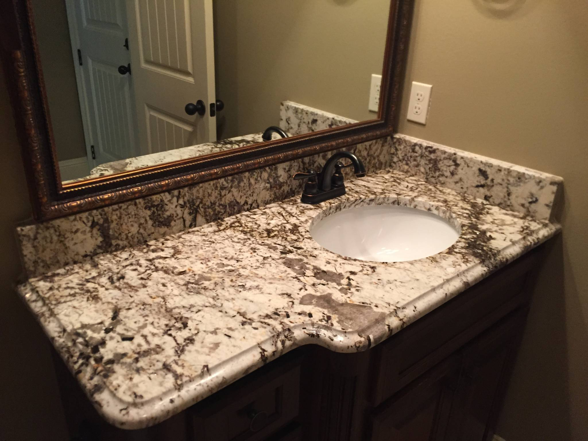 High Quality Bathroom Granite Countertops